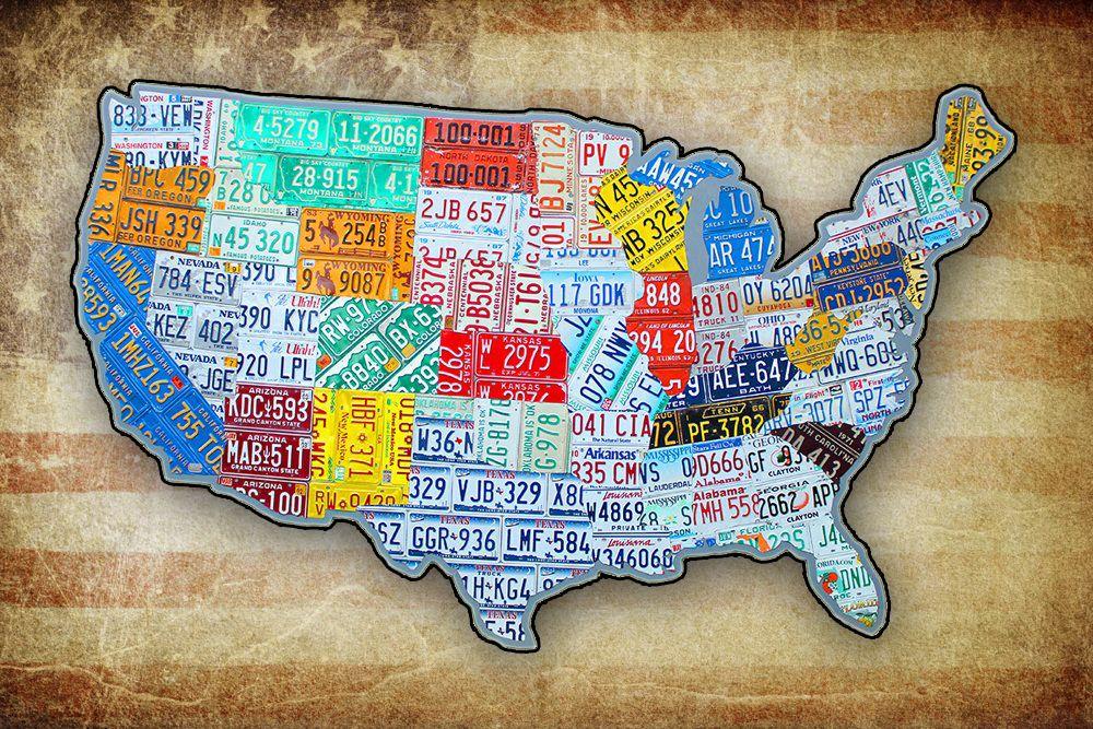Огромная карта из номерных знаков Америки